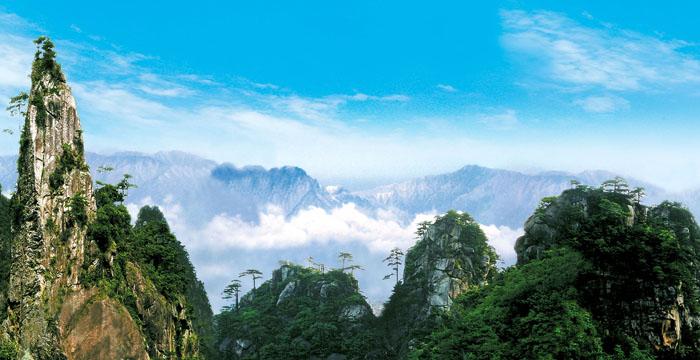 大明山风景名胜区内还包括瑞晶洞,昱岭关,湍口温泉等处景点